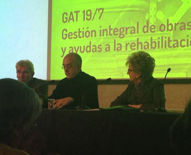 presentación guía Gestión Integral de obras y ayudas a la rehabilitación en el COAM · arquible